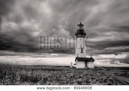 B&W of lighthouse.