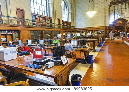 People Study In The New York Library