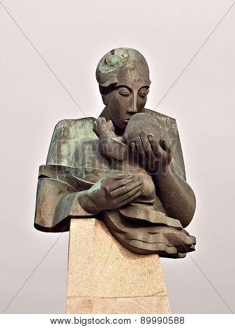Monument to Motherhood.