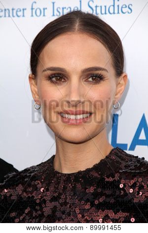 LOS ANGELES - MAY 5:  Natalie Portman at the Nazarian Center For Israel Studies Fifth Annual Gala at the Wallis Annenberg Center for the Performing Arts on May 5, 2015 in Beverly Hills, CA