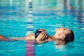 picture of slender  - Sexy swimmer - JPG