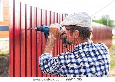 build a metal fence