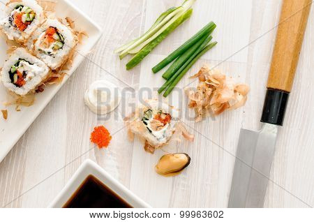 sushi rolls with ingredients