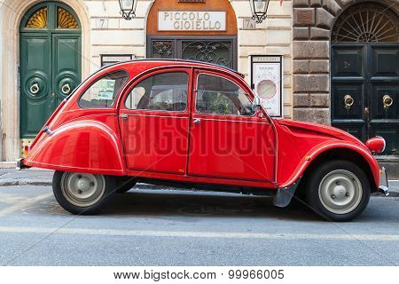 Red Oltimer Citroen 2Cv6 Special Car, Side View