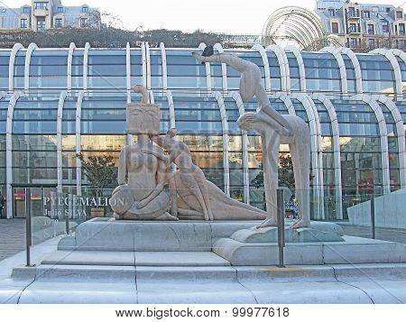 Sculpture Pyegemalion and Les Halles