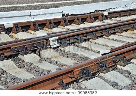 Arrow Rails