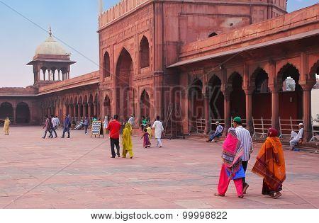 Delhi, India - November 5: Unidentified People Visit Jama Masjid On November 5, 2014 In Delhi, India