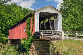 foto of yesteryear  - Also known as the Hildreth Covered Bridge or Lafaber - JPG