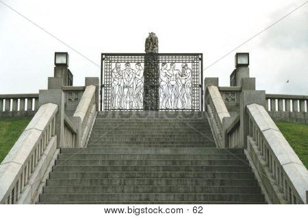 Escalera cerrada en Parque Frogner